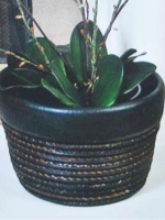ceramic planter UN-7020-9BL 14 x 9h black