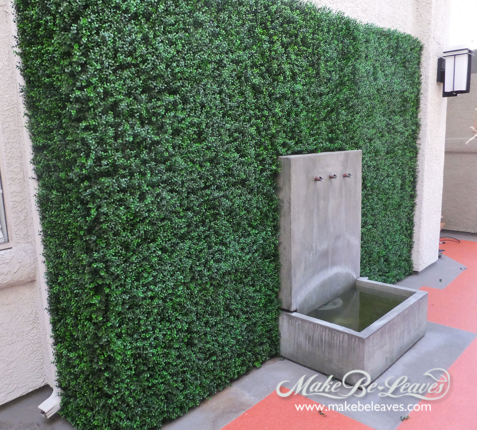 Make be-leaves UV-for-Hollywood-apartment-courtyard