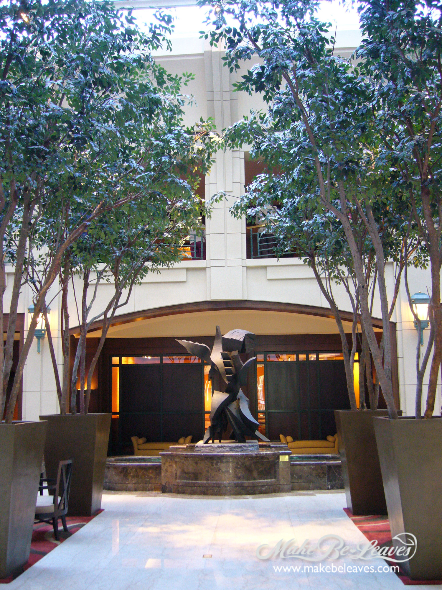 Make be-leaves artificial 23ft Ficus trees for hotel lobby
