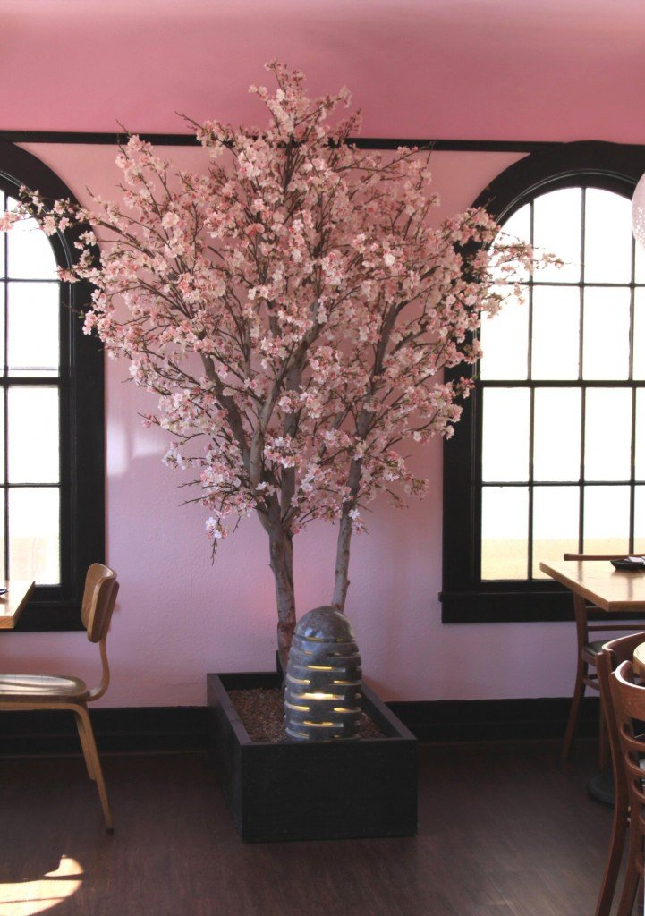 Silk cherry blossom trees make be leaves Artificial trees for interior design