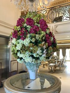 artificial-flowers-beverly-hills-estate